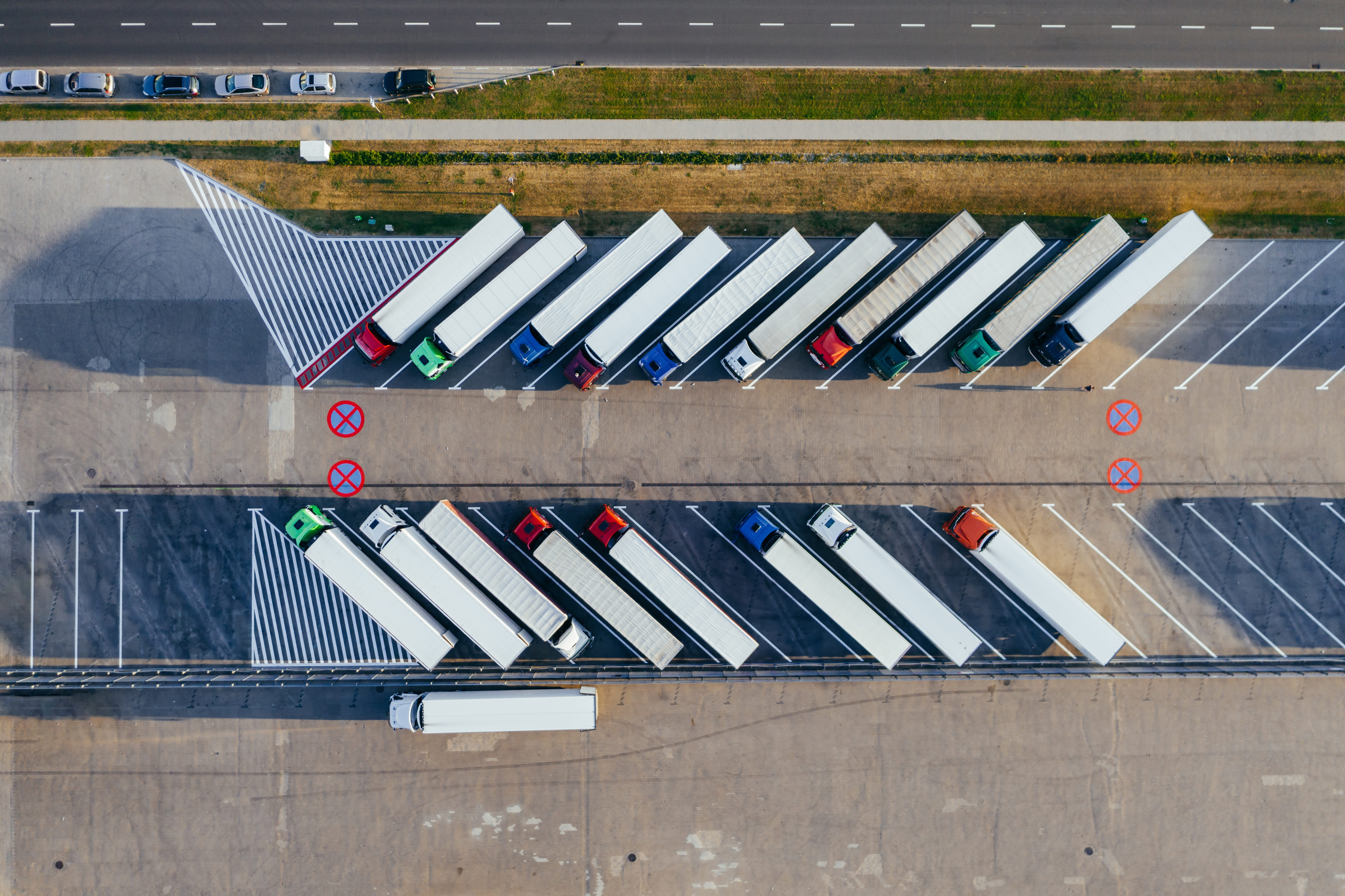 How to get your carriers to join your supply chain visibility network