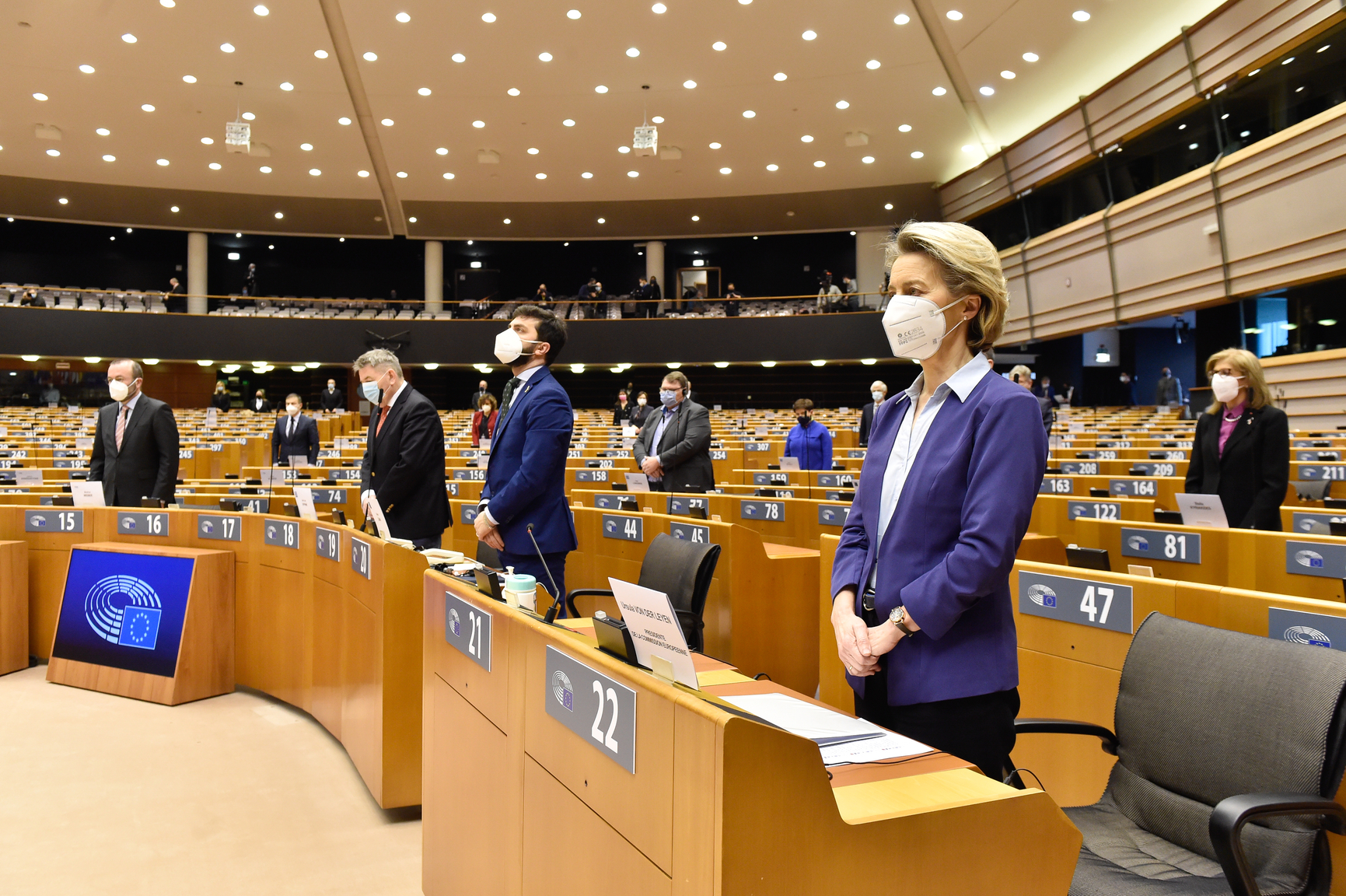 Ważna decyzja europosłów – zaświadczenia, licencje i inne dokumenty zachowają ważność przez 10 miesięcy