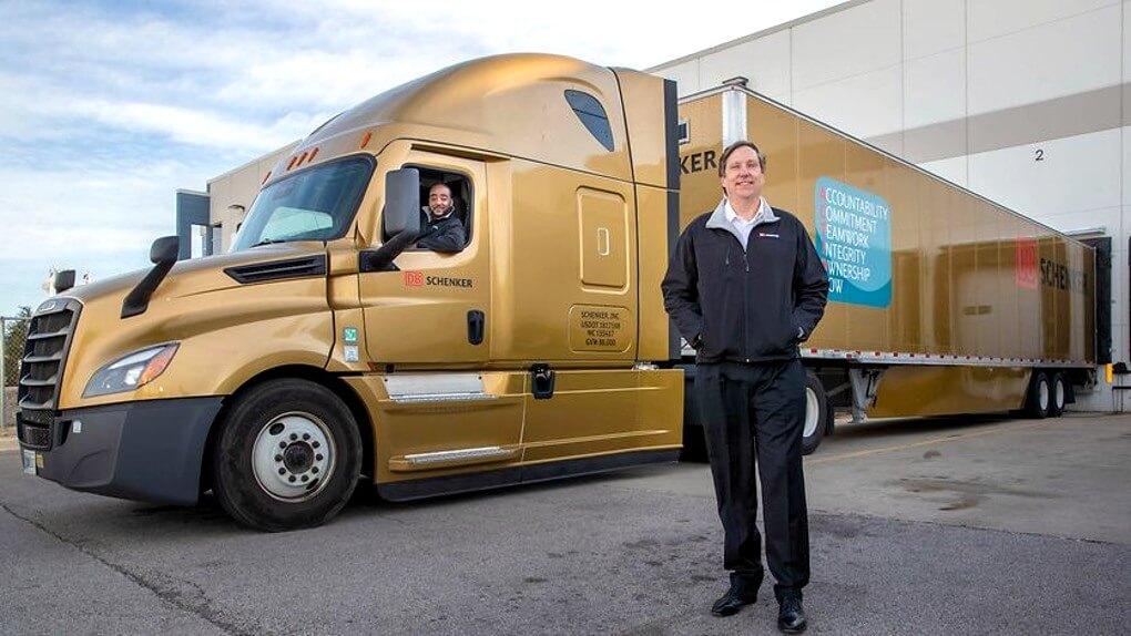 DB Schenker wjeżdza złotym truckiem do Stanów Zjednoczonych. Czy poradzi sobie na zamorskim rynku?