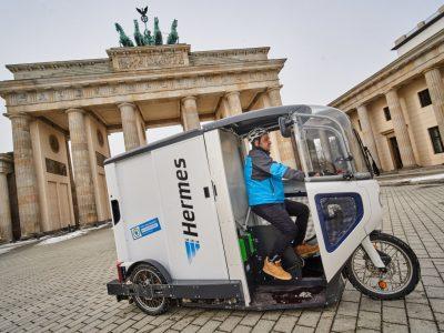 City-Logistik: Hermes setzt in Berlin auf ONO-Cargobikes. Handels- und Logistikdienstleister stellt Pakete mit dem Elektro-Minitransporter zu