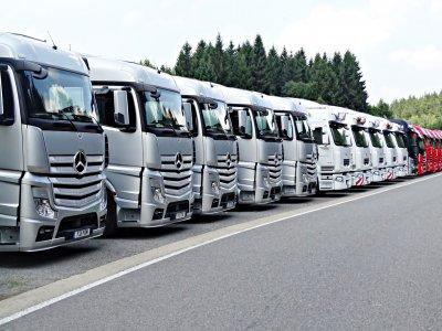 Teherautó-kartell: a német ELVIS szövetség 160 millió eurót követel a Daimlertől