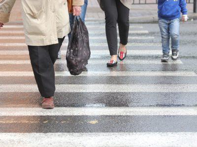 Zmiany dotyczące pierwszeństwa pieszych i prędkości maksymalnej w miastach