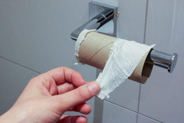 Niederlande: Im Rahmen einer Protestaktion verschicken LKW-Fahrer … Toilettenpapier an den Branchenv