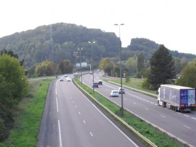 French climate bill could give regional authorities power to implement HGV tax
