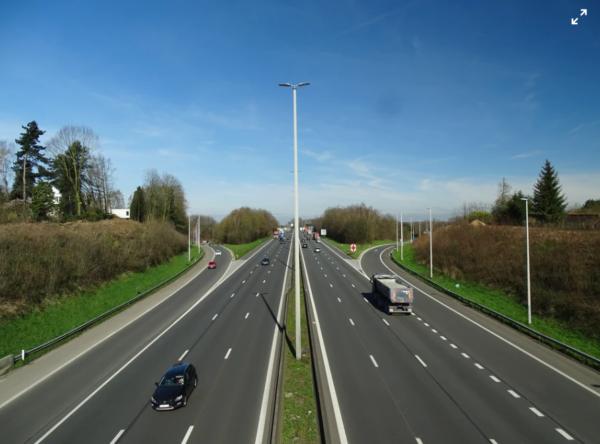 """UNTRR: """"Reîncadrarea diurnei ca venit salarial va închide firmele de transport rutier"""""""