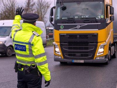 Lotnisko w Manston zamyka podwoje dla truckerów. Sprawdź, co się zmieni w weekend na drodze do Dover i Eurotunelu