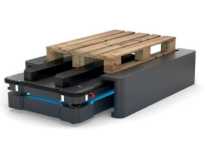 Autonomiczny robot w Centrum Dystrybucyjnym IKEA w Jarostach. Ponad dwa razy tańszy niż wózek samojezdny AGV