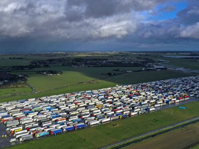Marea Britanie I Camioanele care ies din țară nu vor mai accesa zona Manston