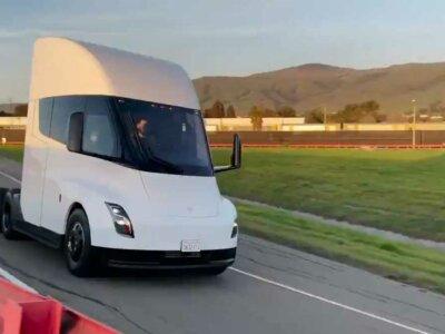 Vehiculele Tesla vor putea fi cumpărate cu…Bitcoin