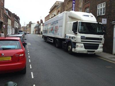 Приостановка взимания сборов за грузовики в Великобритании. Есть решение о продлении
