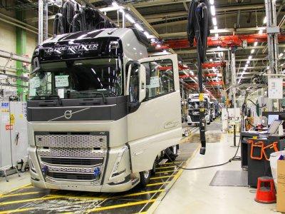 Az új Volvo teherautó meghajtását elektromosra lehet majd cserélni