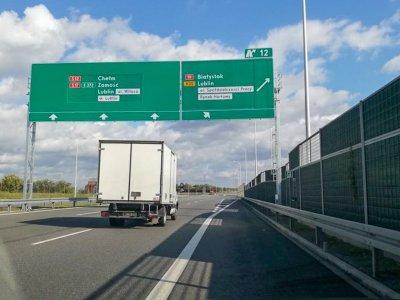 Testy eksperymentalnego oznakowania na drogach. Masz uwagi? Podziel się opinią