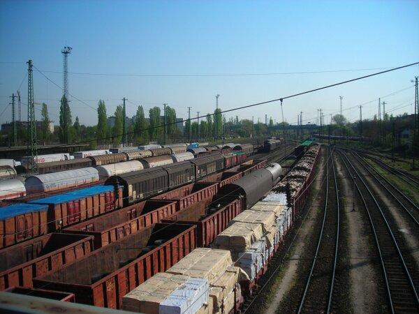 Nőtt az intermodális fuvarozás volumene tavaly, de nem eléggé, állítja a logisztikai szövetség