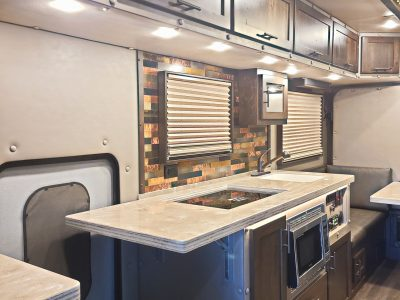 Luxusélet egy teherautóban? Nézze meg a 17 négyzetméteres hálószobát! [GALÉRIA]