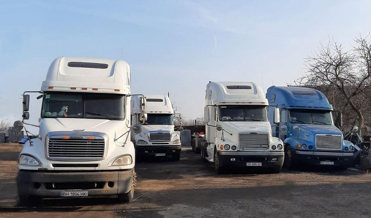 Нехватка фрахтов, демпинговые цены и увеличение налоговой нагрузки. Как перевозчики из Украины и Белоруси выживают в кризис