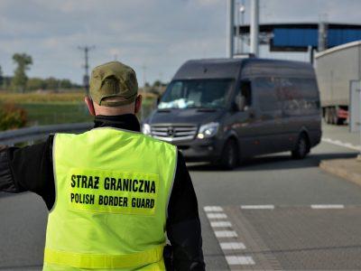 Новые правила въезда в Польшу из Чехии и Словакии. Посмотрите, какие водители освобождаются от этих обязанностей