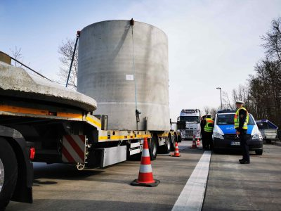 German police control finds every 10th lorry weighed too much