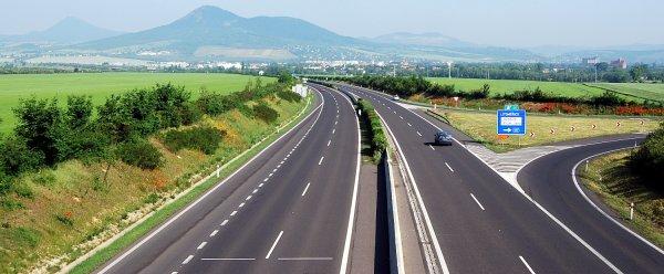 2021-es teherautó forgalmi korlátozások Csehországban és Szlovákiában