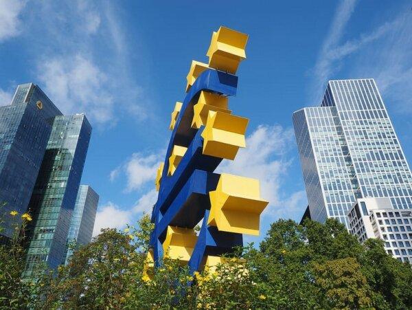 Indicele IHS Markit Eurozone Composite: Zona euro înregistrează creștere pentru prima dată în 6 luni
