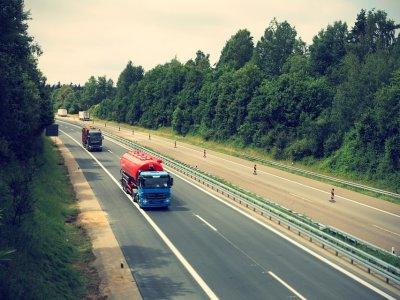Polen: StVO-Novelle 2021 beschlossen. Werden neue Vorschriften gefährliches Fahrverhalten polnischer Lkw-Fahrer auch auf deutschen Autobahnen positiv verändern?