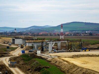 Infrastructură I Lotul din autostrada A3 de la Târgu Mureș este construit în proporție de 50%