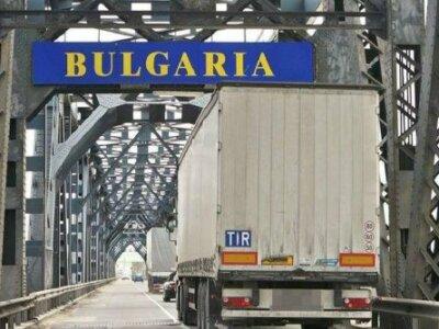 Oprirea totală a circulației pe Podul Prieteniei Giurgiu-Ruse până pe 29 aprilie cu formare de cozi de camioane