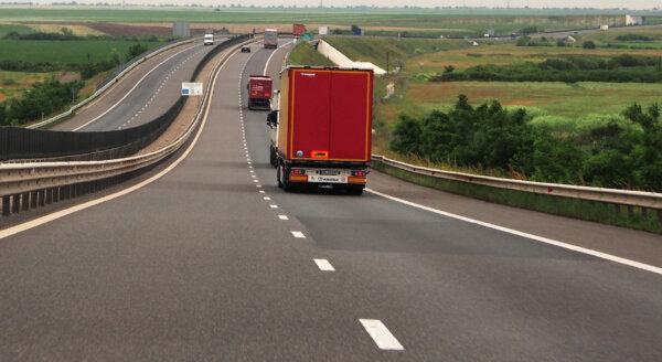 Koniec rejestracji samochodów na diesla i benzynowych. Komisja Europejska ustaliła datę