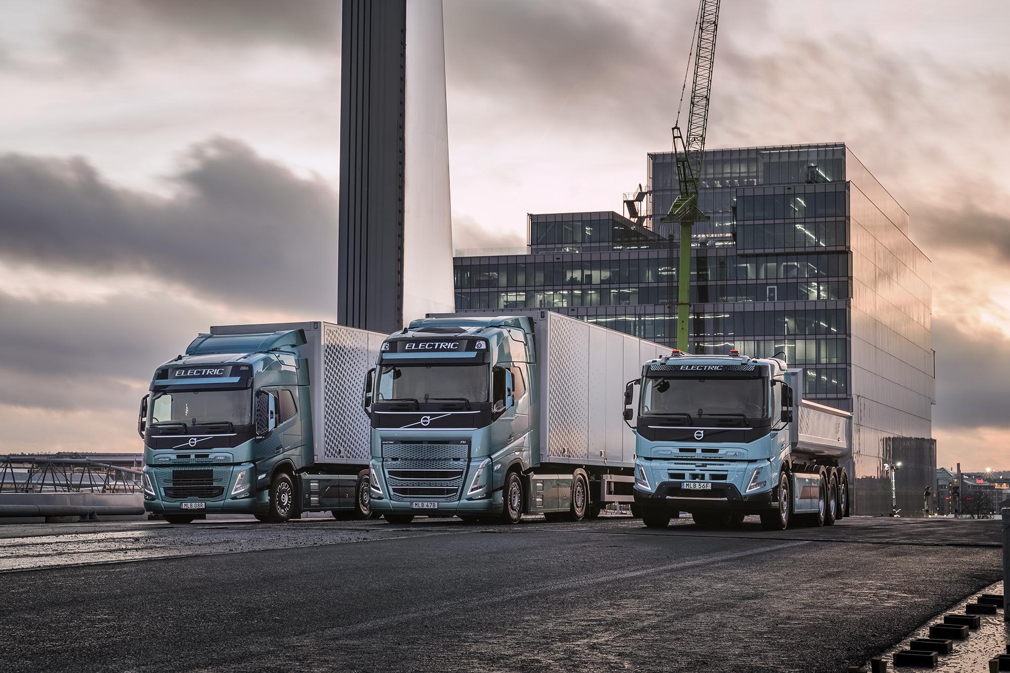 """""""Volvo Trucks"""" pristato naujus elektrinius sunkvežimius. TAčiau abejones kelia jų nuvažiuojamas atstumas"""