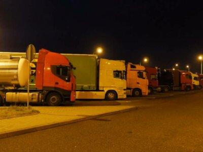 После ночи в нагретой кабине, во время движения глаза закрываются. Станут ли стояночные кондиционеры обязательными в грузовиках?