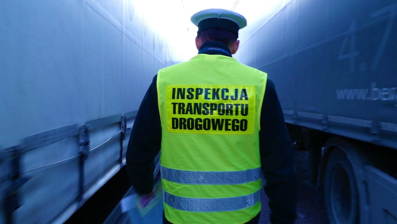 Lenkija įgyvendino naujas užsienio sunkvežimių kontrolės nuostatas. Tai kova su nesąžininga konkurencija transporto srityje