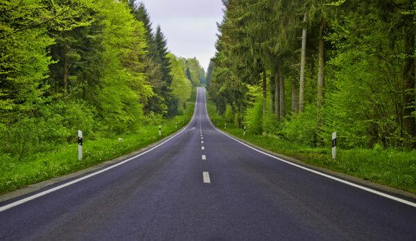Duńczycy kładą asfalt przyjazny dla klimatu. W czym tkwi sekret?