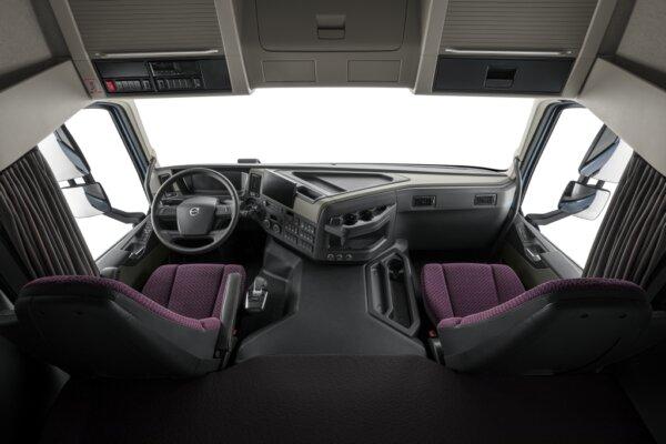 Volvo Trucks scores Red Dot Award for its FM model design