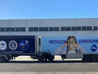 "2 ""mega trucks"" hit Spain's roads in Carrefour and Procter & Gamble joint venture"