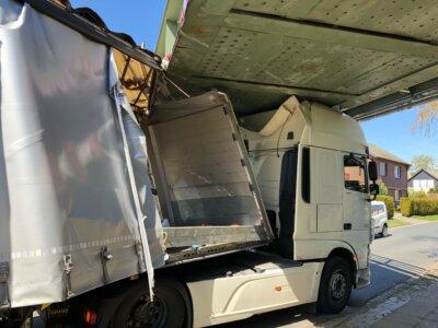 25 ezer eurós kárt okozott a teherautós figyelmetlensége