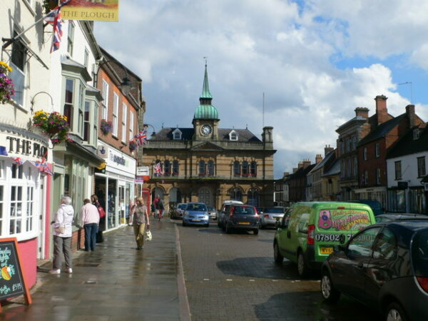 Yet another English town's councillors call for HGV ban