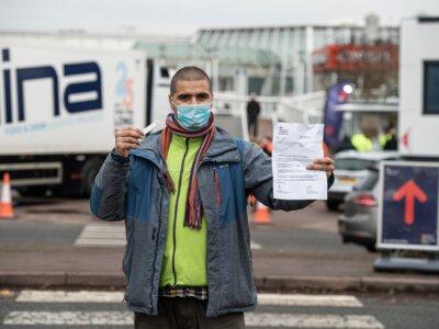 Šioje šalyje sunkvežimių vairuotojus įtraukė į prioritetinių vakcinacijų nuo COVID-19 sąrašą