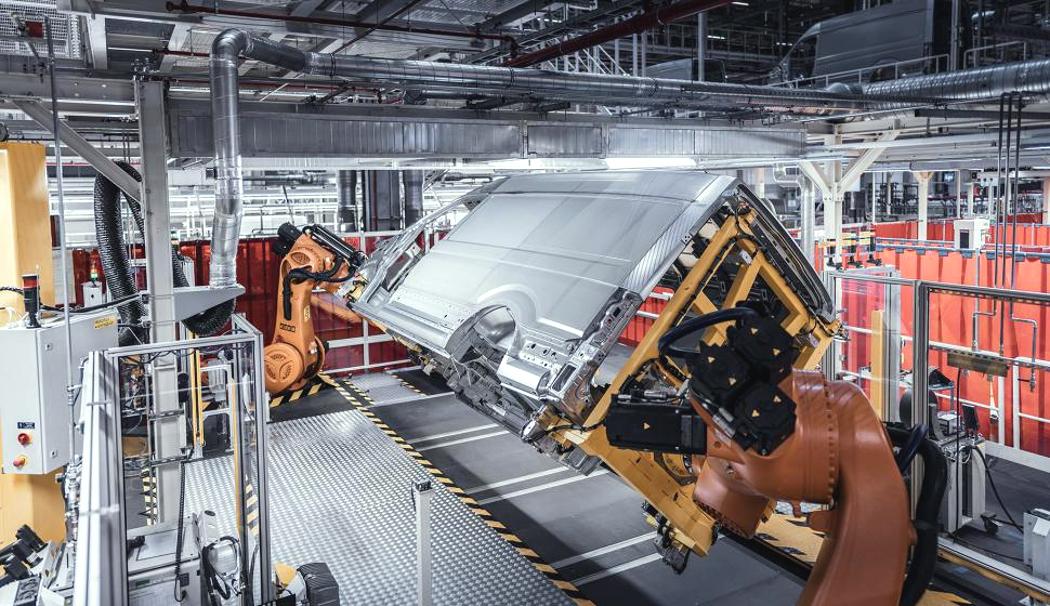 Polski przemysł nie tyle się rozpędza, co pędzi. Będą żniwa dla przewoźników?