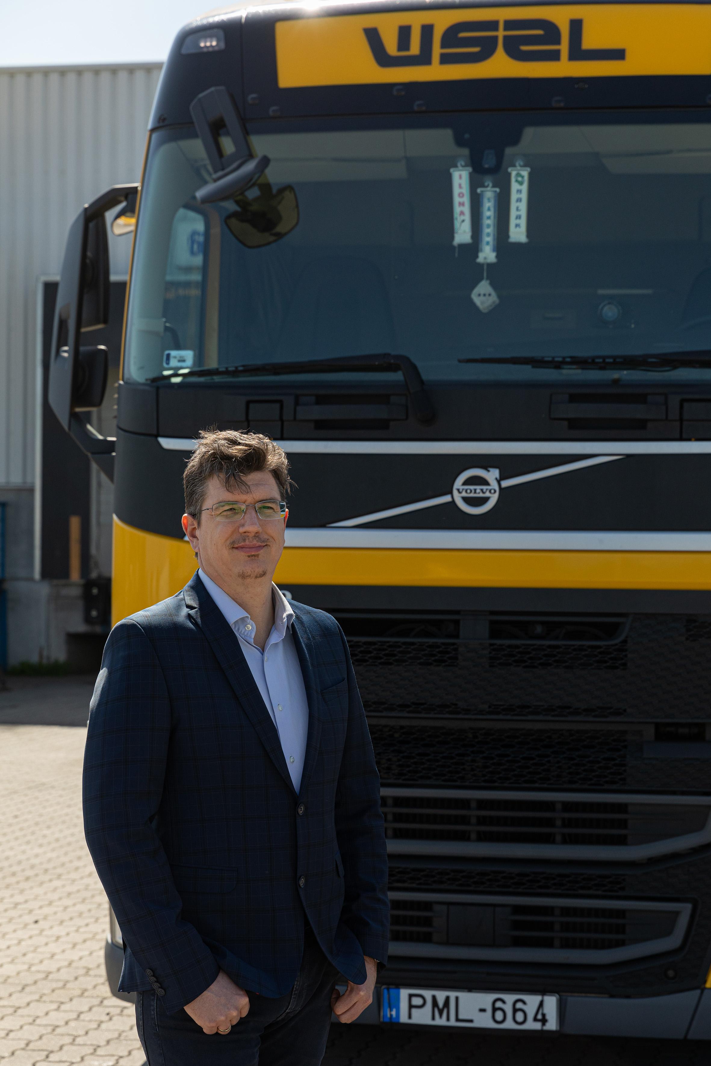 Fel kell adni a járt utat a járatlanért – interjú Horváth Gáborral, a WSZL konténer üzletágának új vezetőjével a konténer- és sofőrhiányról, a digitalizációról és a flotta szinten tartásáról