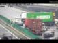 Riesenchaos auf einer Autobahn. Verkehr beinahe lahmgelegt wegen… eines Evergreen-LKW