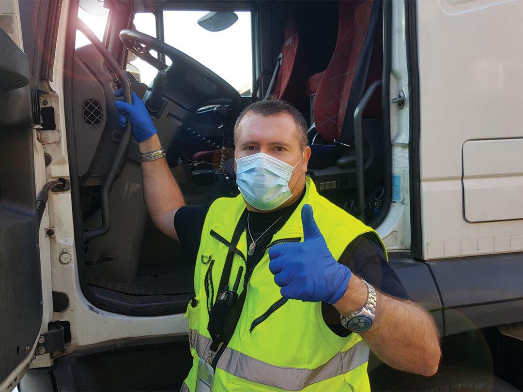Spania I Șoferii de camion pot fi amendați dacă nu poartă mască în cabină