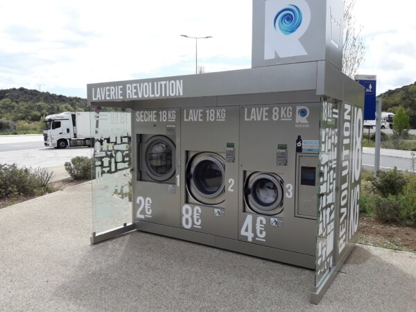New lorry park laundromat in France offers drivers SMS update option