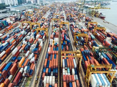 Перевозки из Китая в ЕС по суше выросли на 50 проц. Доставка морем стала слишком дорогой
