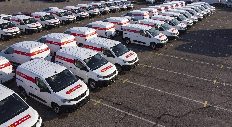 1000 samochodów dostawczych dla Poczty Polskiej. Zobacz, jakie pojazdy zasilą jej flotę