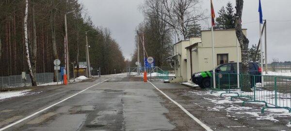 Литва возобновила работу трех пунктов пропуска на границе с Беларусью. Также для грузовых транспортн