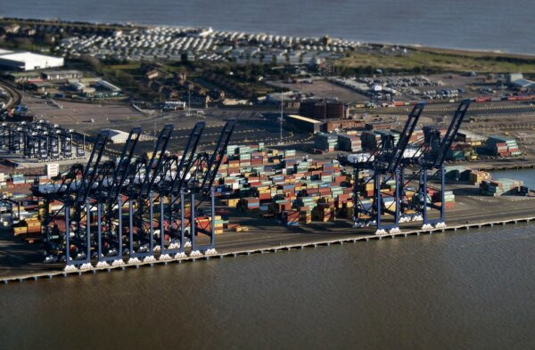 UK trade with EU plummets in Q1 2021; eclipsed by non-EU trade