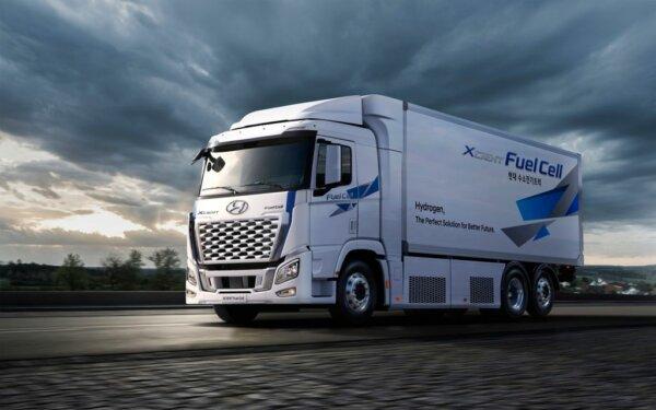 Újabb hidrogénes Hyundai teherautók érkeznek Európába