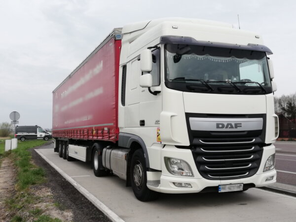 Trucker who discarded the wrong permit during cab cleanup fined €1,800