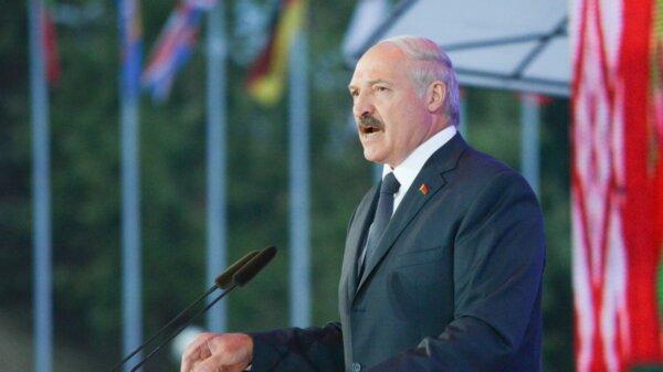 ES sutarė dėl sankcijų svarbiems Baltarusijos ekonomikos sektoriams