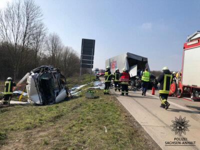 Все больше водителей грузовиков гибнут в ДТП в конце пробок. Германия обнародовала печальную статистику