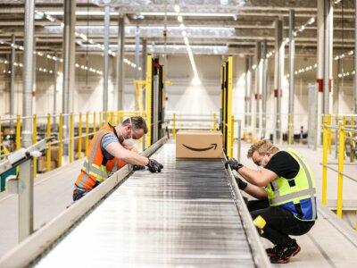 Чистая прибыль компании Amazon за время пандемии сравнялась с прибылью за три предыдущих года вместе взятых